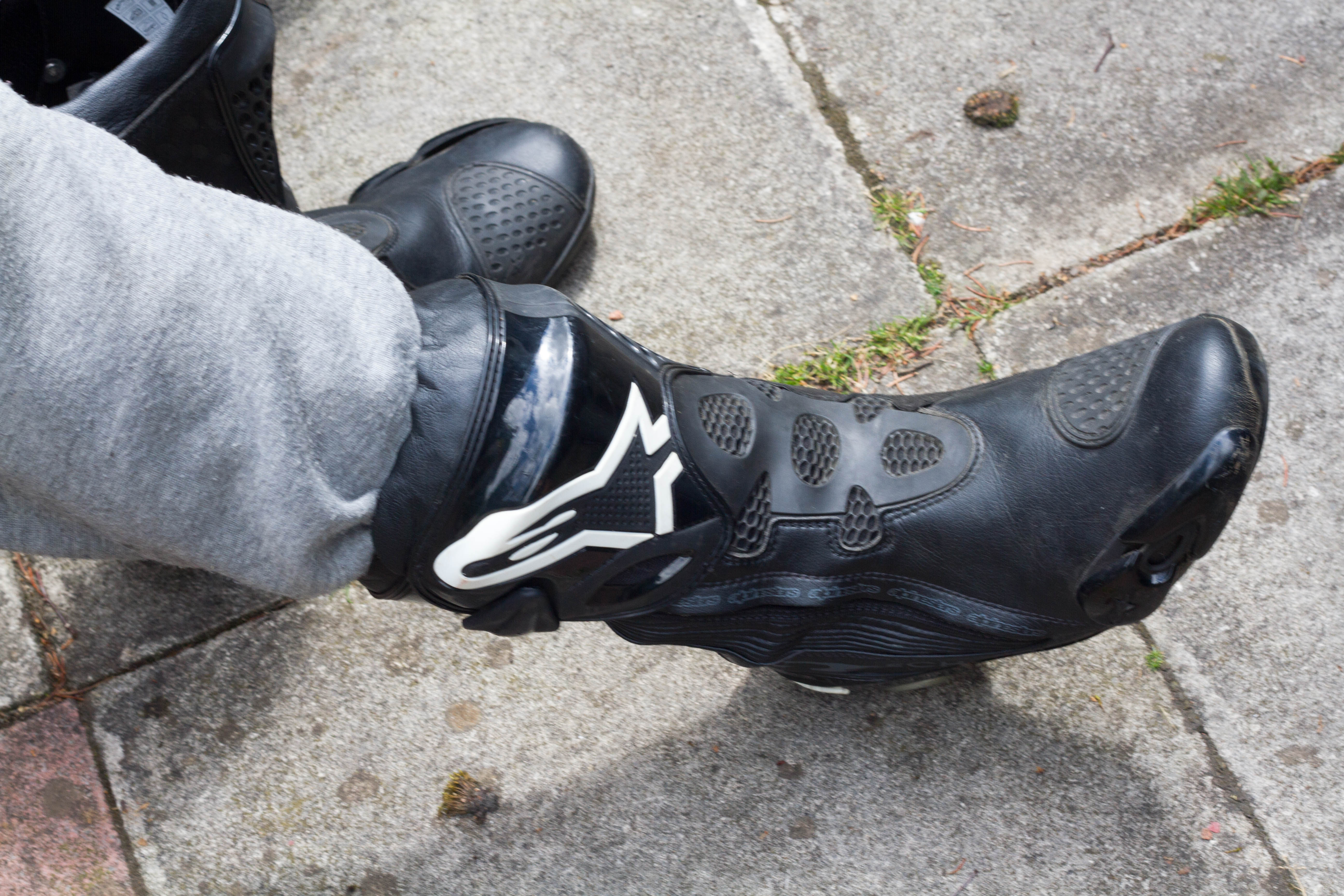 Supertech R boots