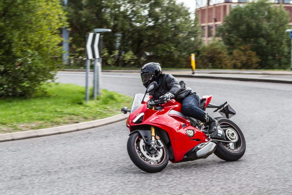 Ducati V4S review